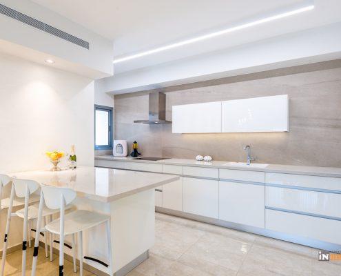 אי פונקציונלי נוצר מתוך קיר המטבח חובה בדירה חדשה מקבלן